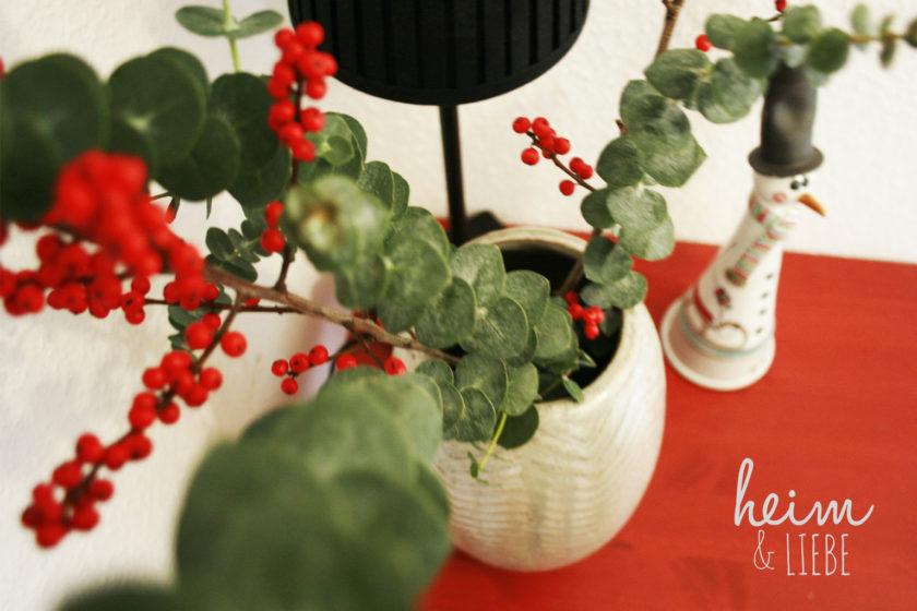 Dekoration Weihnachten mit Eukalyptus